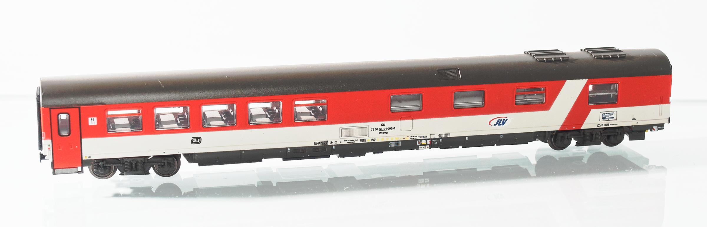 195473: EuroCity dining car, type WRmz 815 of the Czech Railways CD